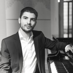 Álvaro Urbanos